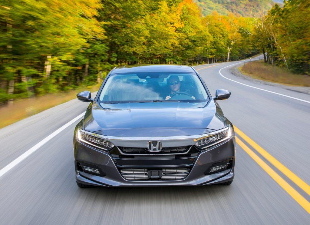 Honda Accord 2017, вид спереди
