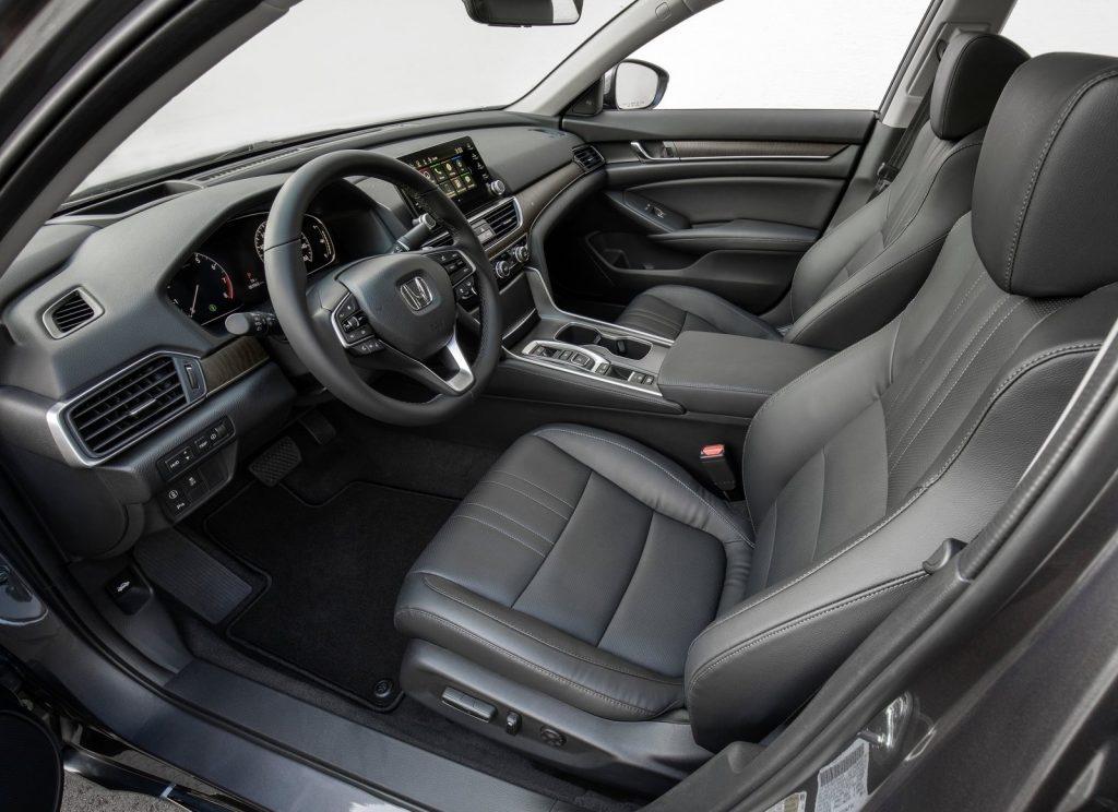 Honda Accord, передние сиденья