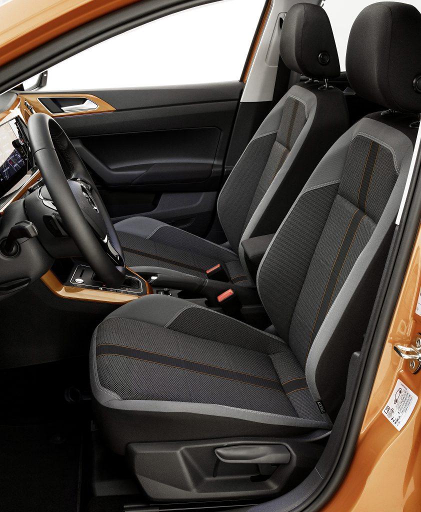 Новый Volkswagen Polo, передние сиденья