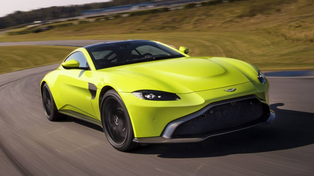 Aston Martin Vantage 2018, вид спереди