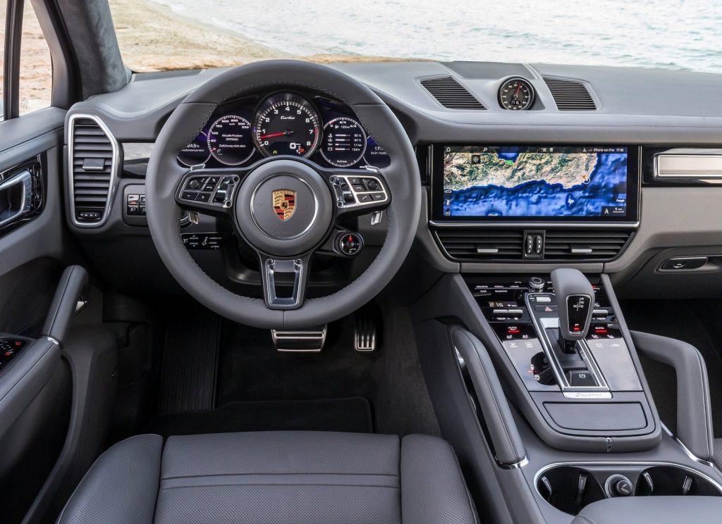 Porsche Cayenne, передняя панель