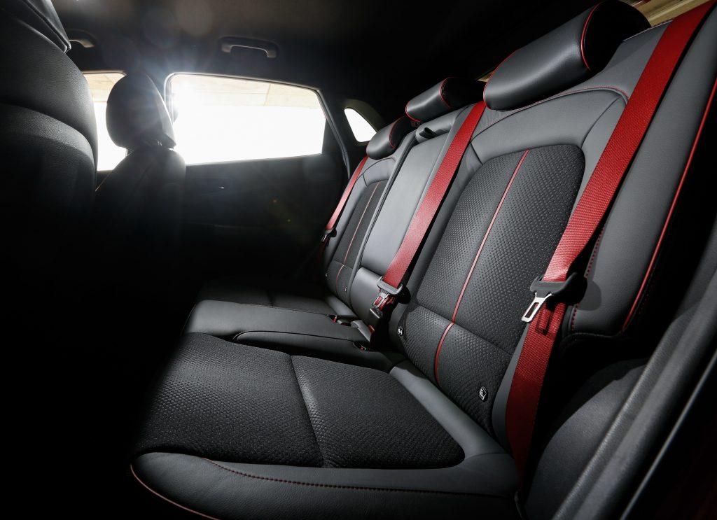 Новый Hyundai Kona, задние сиденья