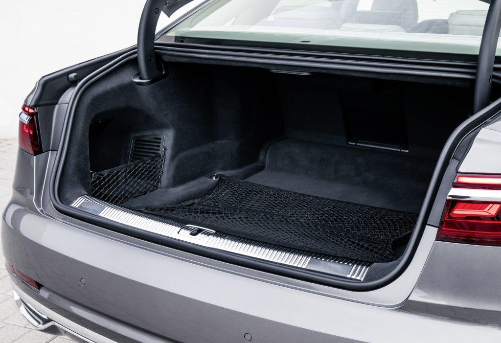 Новый Audi A8, багажник