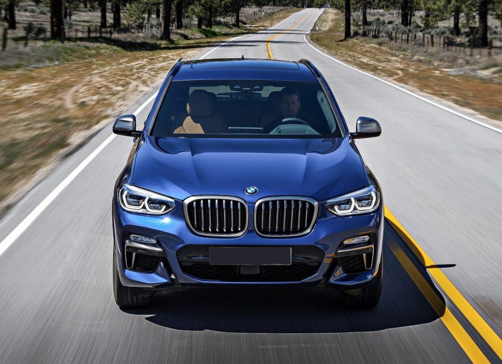 BMW X3 2018, вид спереди