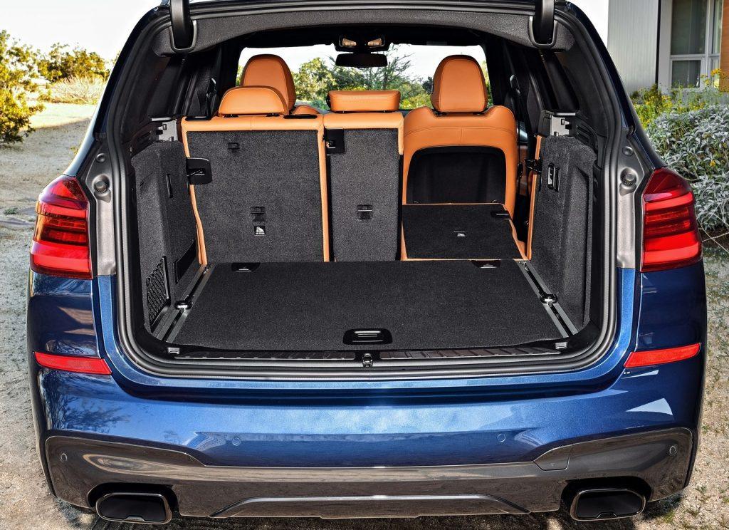 BMW X3 2018, багажник