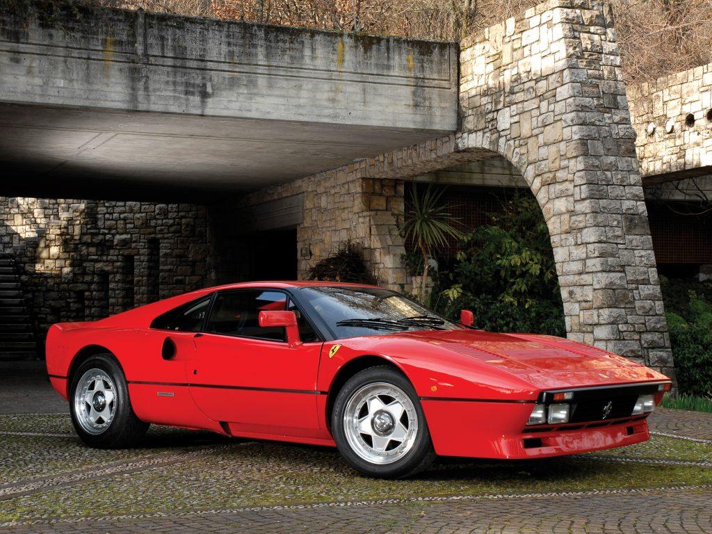 Ferrari 288 GTO первым в мире преодолел порог в 300 км/ч