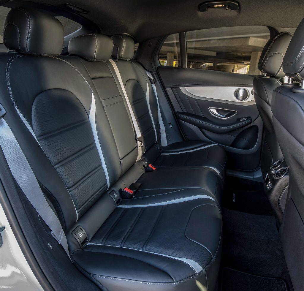 Mercedes-AMG GLC63 Coupe 2018, задние сиденья