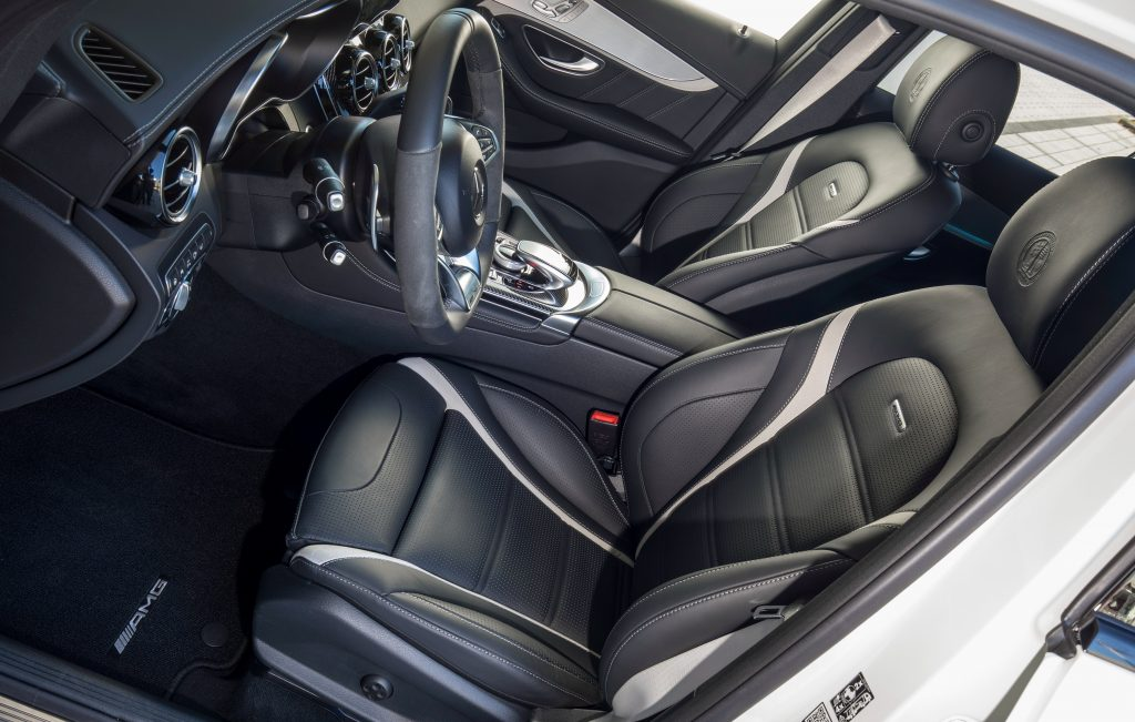 Mercedes-AMG GLC63 Coupe, передние сиденья