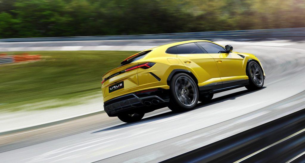 Lamborghini Urus, вид на заднюю диагональ