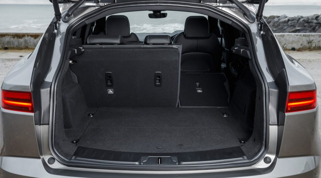 Jaguar E-Pace 2018, багажник