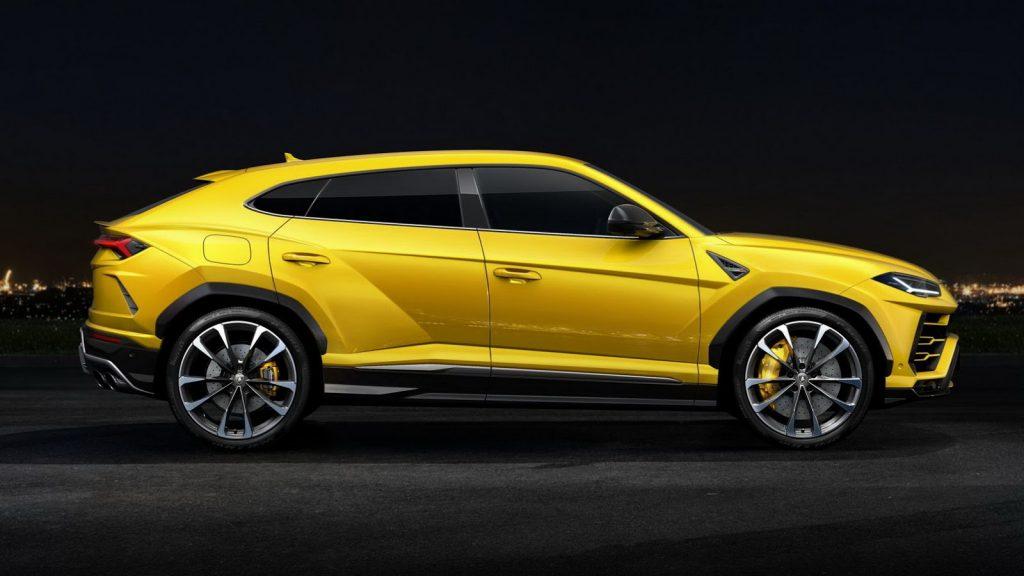 Lamborghini Urus, вид сбоку