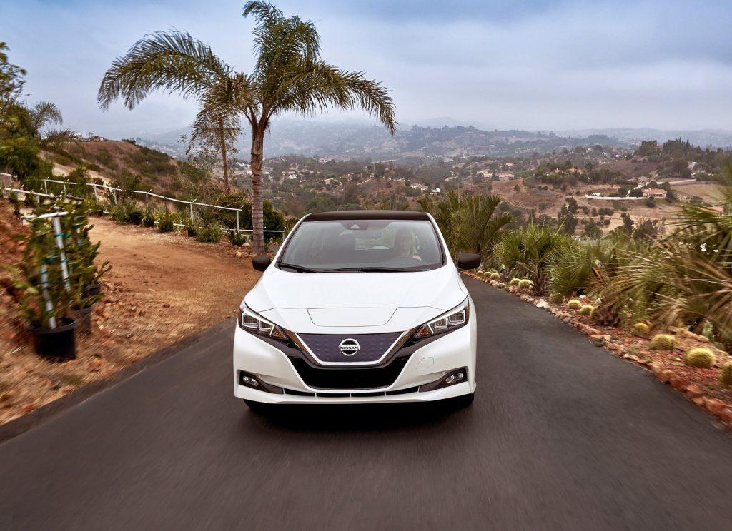 Nissan Leaf 2018, вид спереди