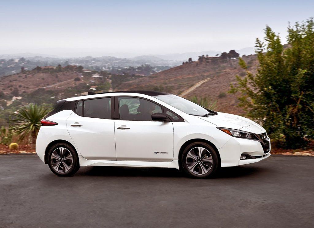 Новый Nissan Leaf, вид сбоку