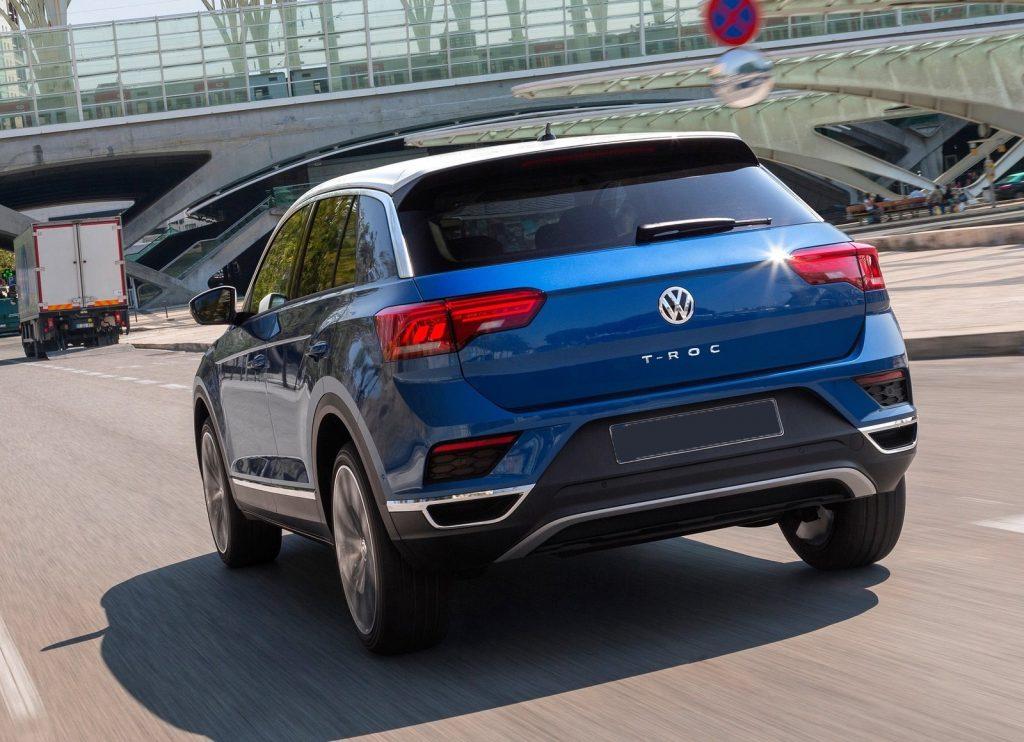 Новый Volkswagen T-Roc, вид сзади