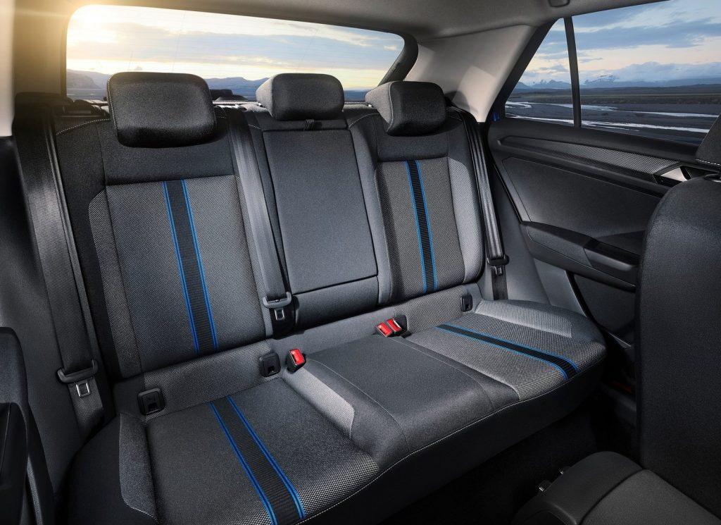 Volkswagen T-Roc, задние сиденья