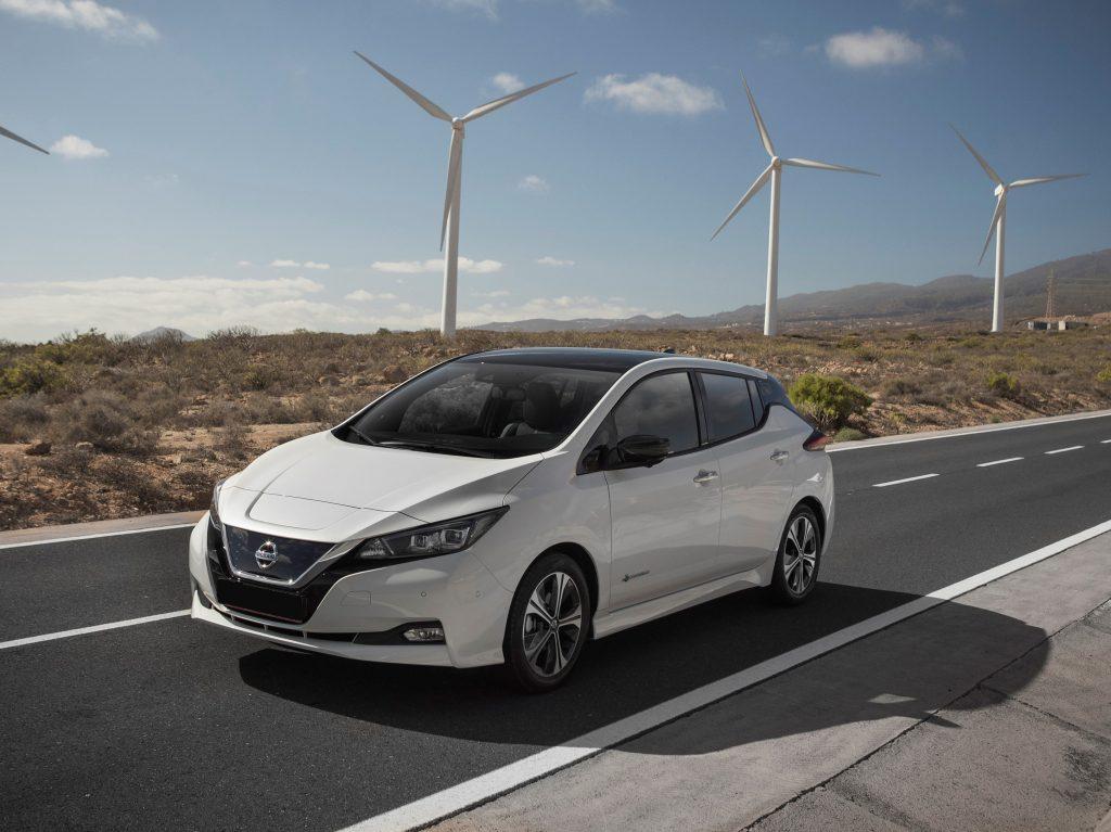Nissan Leaf, вид на переднюю диагональ
