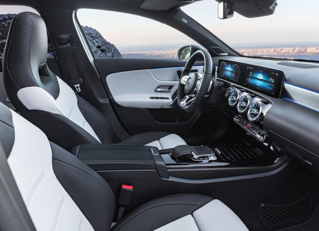 Mercedes-Benz A-Class, передние сиденья