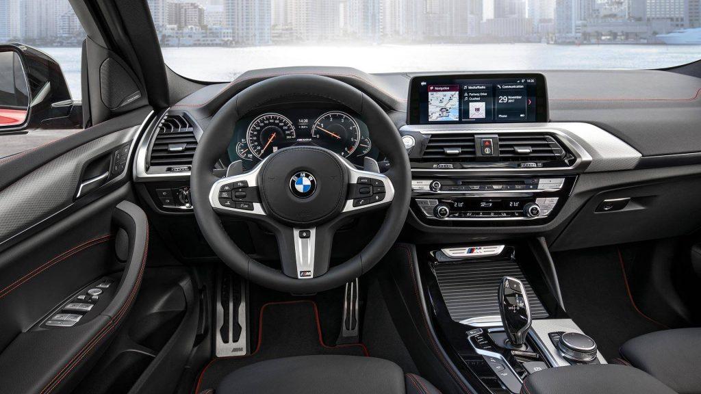 BMW X4, передняя панель