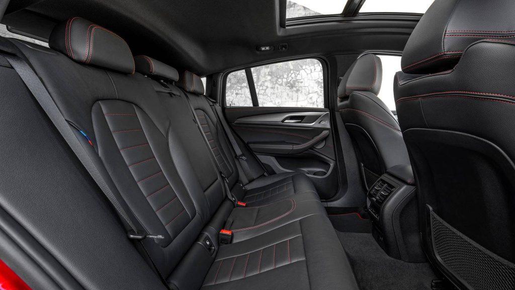 BMW X4, задние сиденья