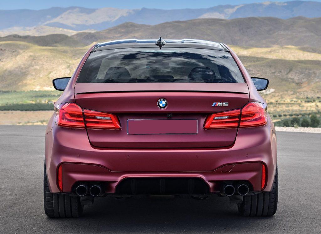 BMW M5 2018, вид сзади