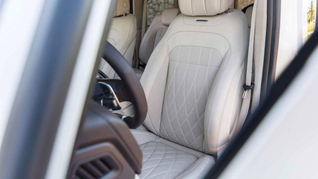 Mercedes-AMG G63 2018, передние сиденья