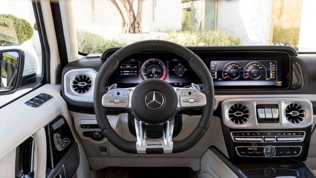 Mercedes-AMG G63, передняя панель