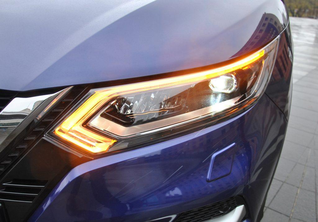 Nissan Qashqai 2018, светодиодные фары
