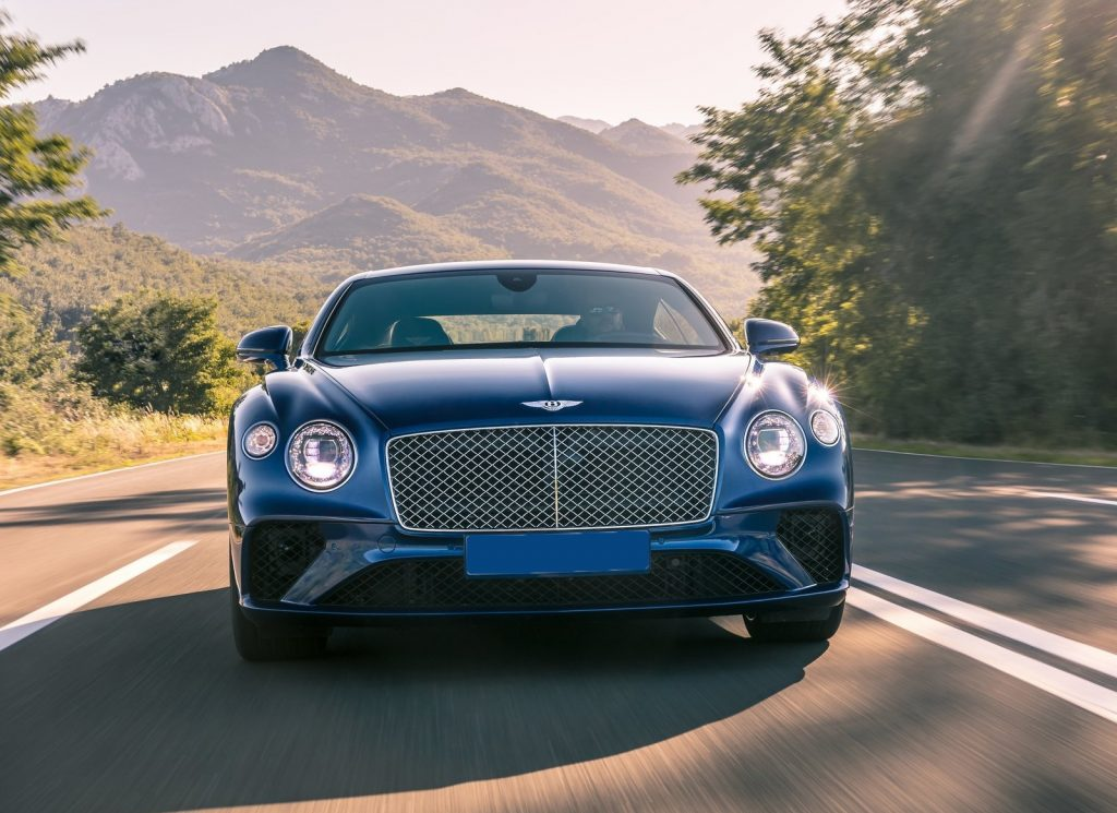 Bentley Continental GT 2018, вид спереди