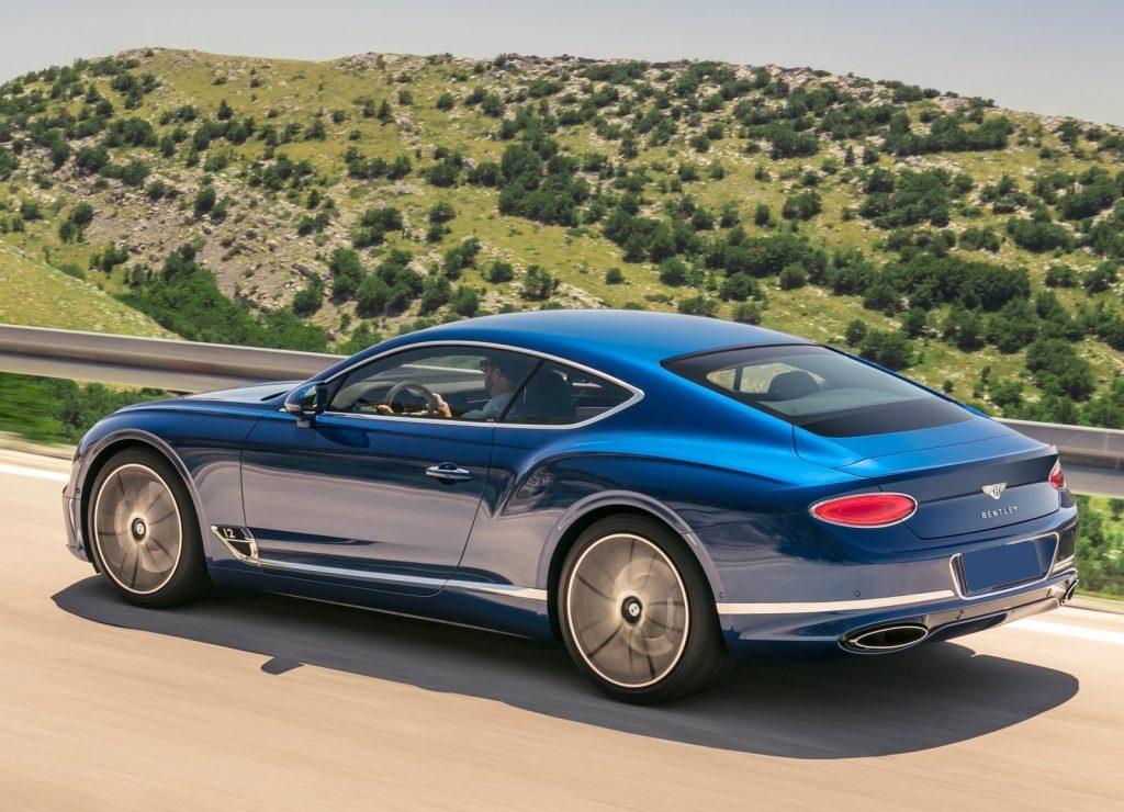 Bentley Continental GT, вид на заднюю диагональ