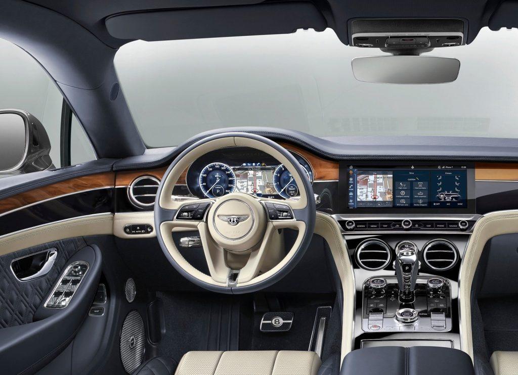 Новый Bentley Continental GT, передняя панель
