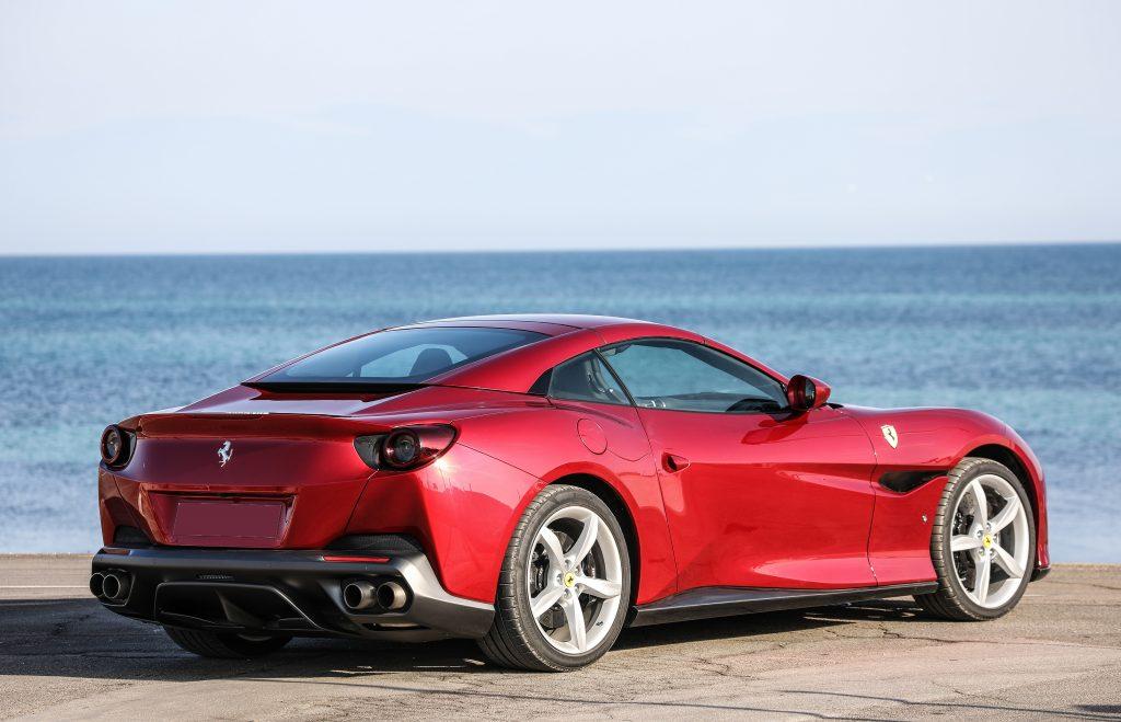 Ferrari Portofino, вид на заднюю диагональ