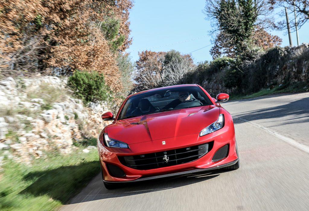 Ferrari Portofino 2018, вид спереди