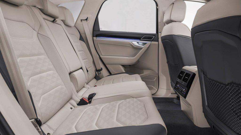 Volkswagen Touareg, задние сиденья