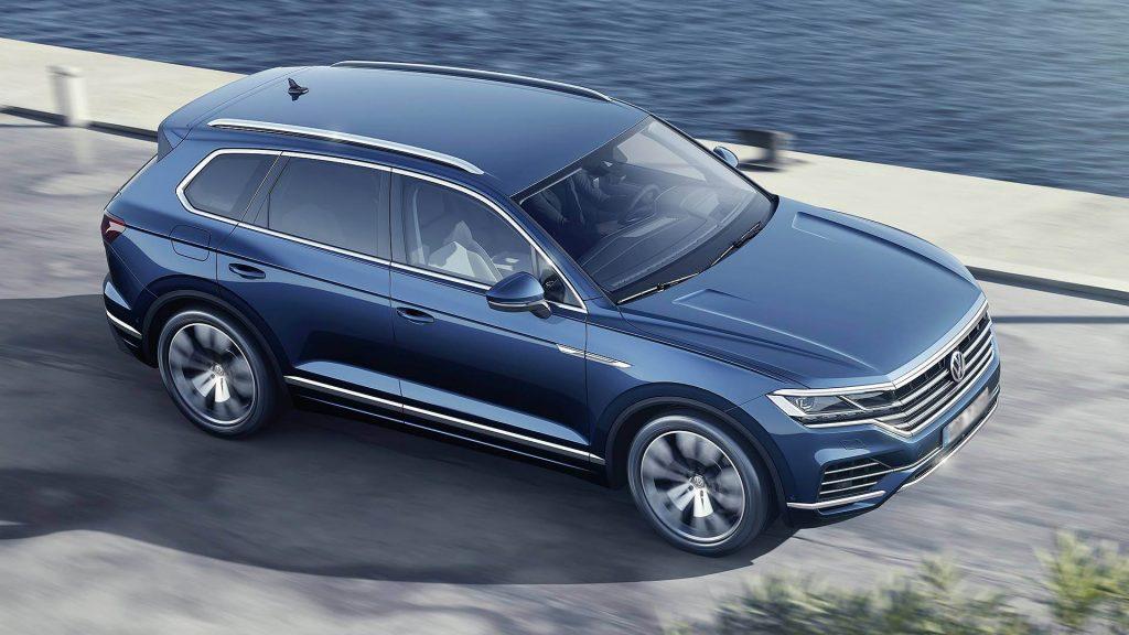 Новый Volkswagen Touareg, вид сверху
