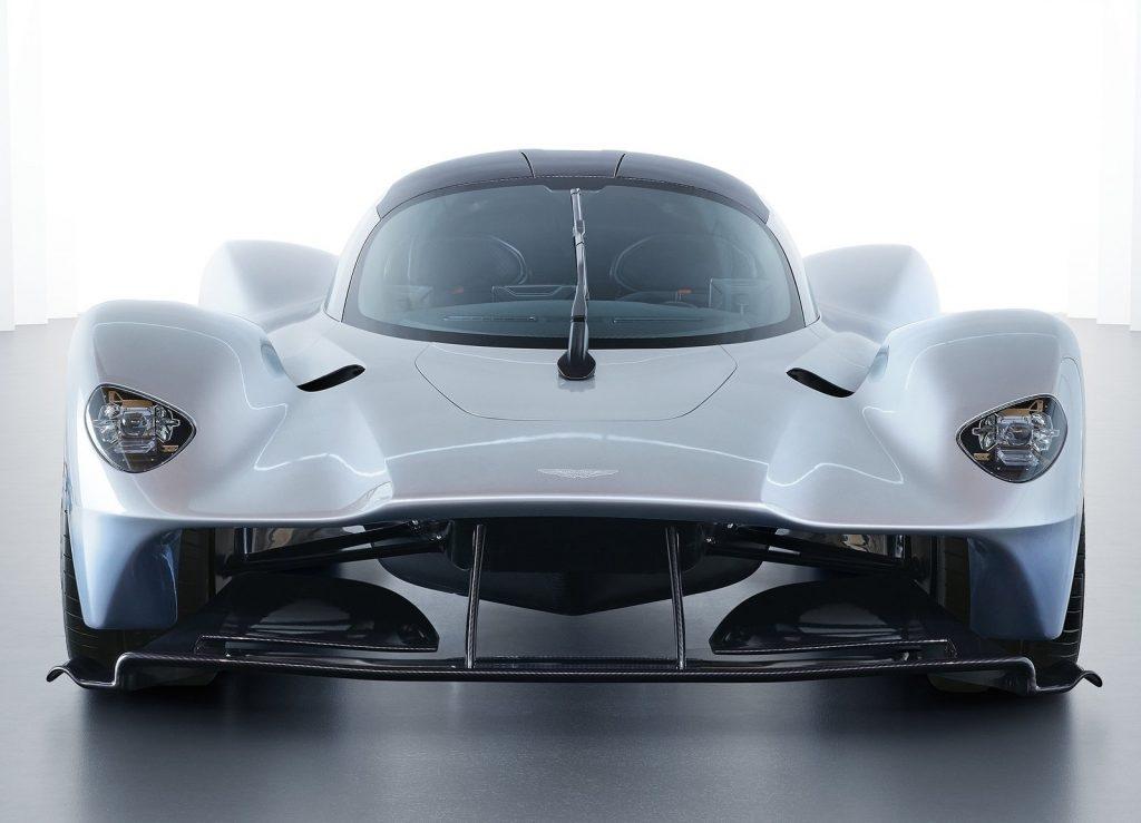 Aston Martin Valkyrie 2018, вид спереди