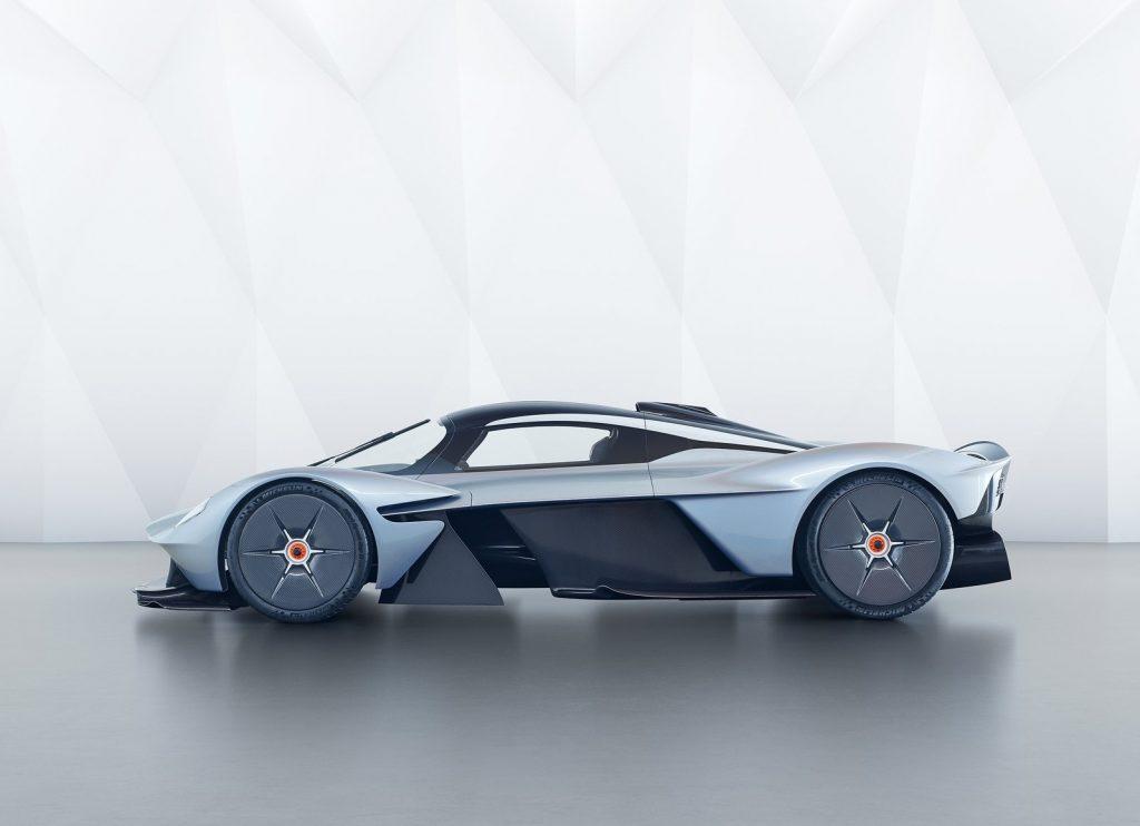 Aston Martin Valkyrie 2018, вид сбоку