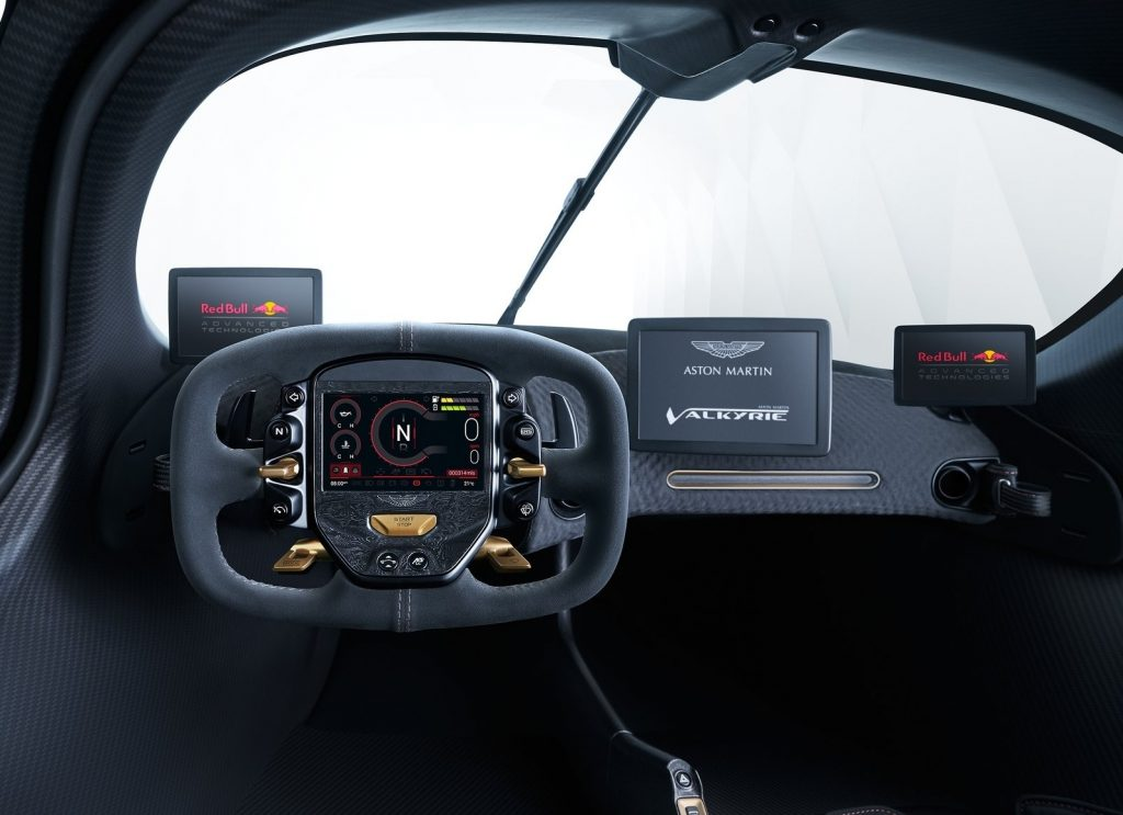 Новый Aston Martin Valkyrie, передняя панель