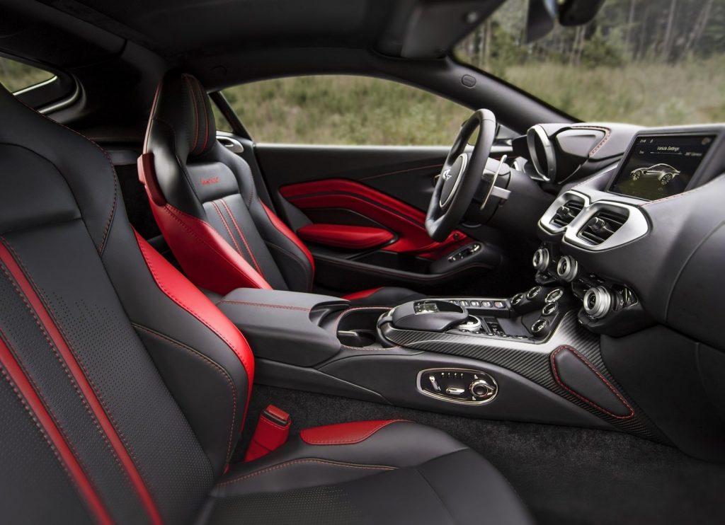 Aston Martin Vantage 2018, сиденья