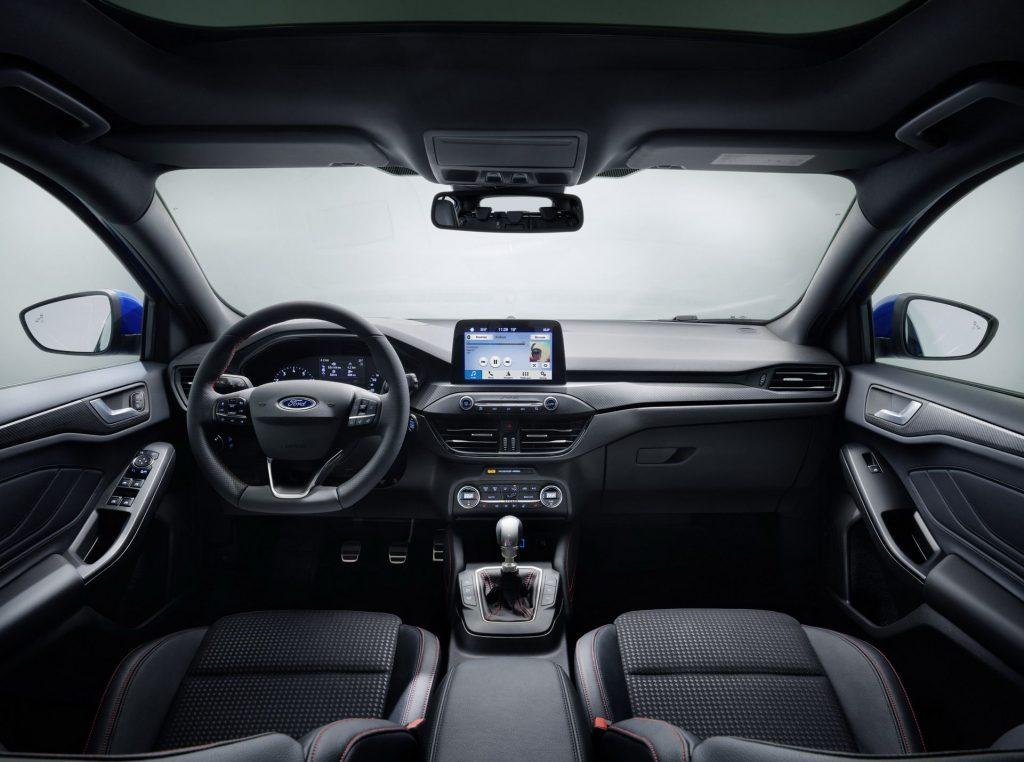 Новый Ford Focus, передняя панель