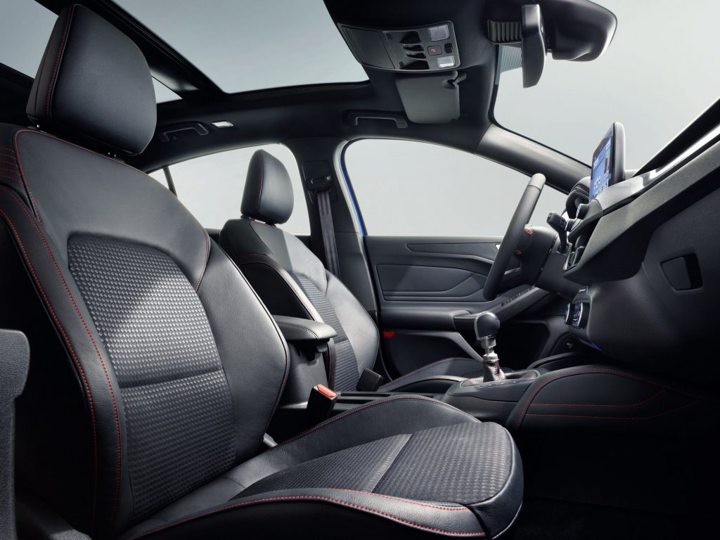 Ford Focus, передние сиденья