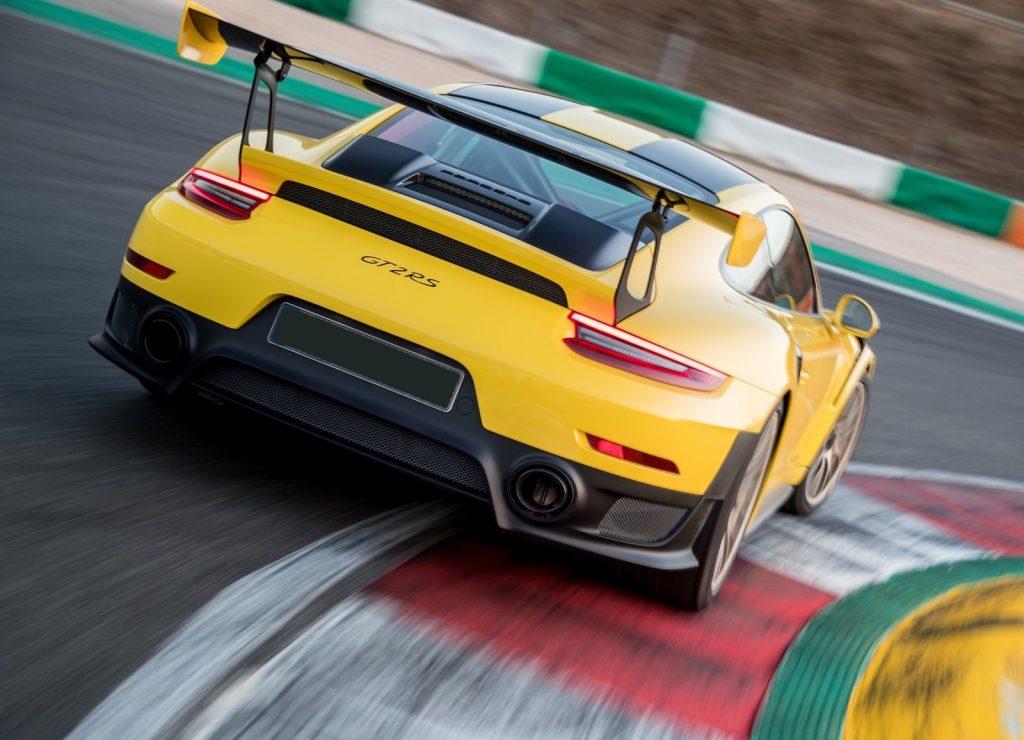 Porsche 911 GT2 RS 2018, вид сзади