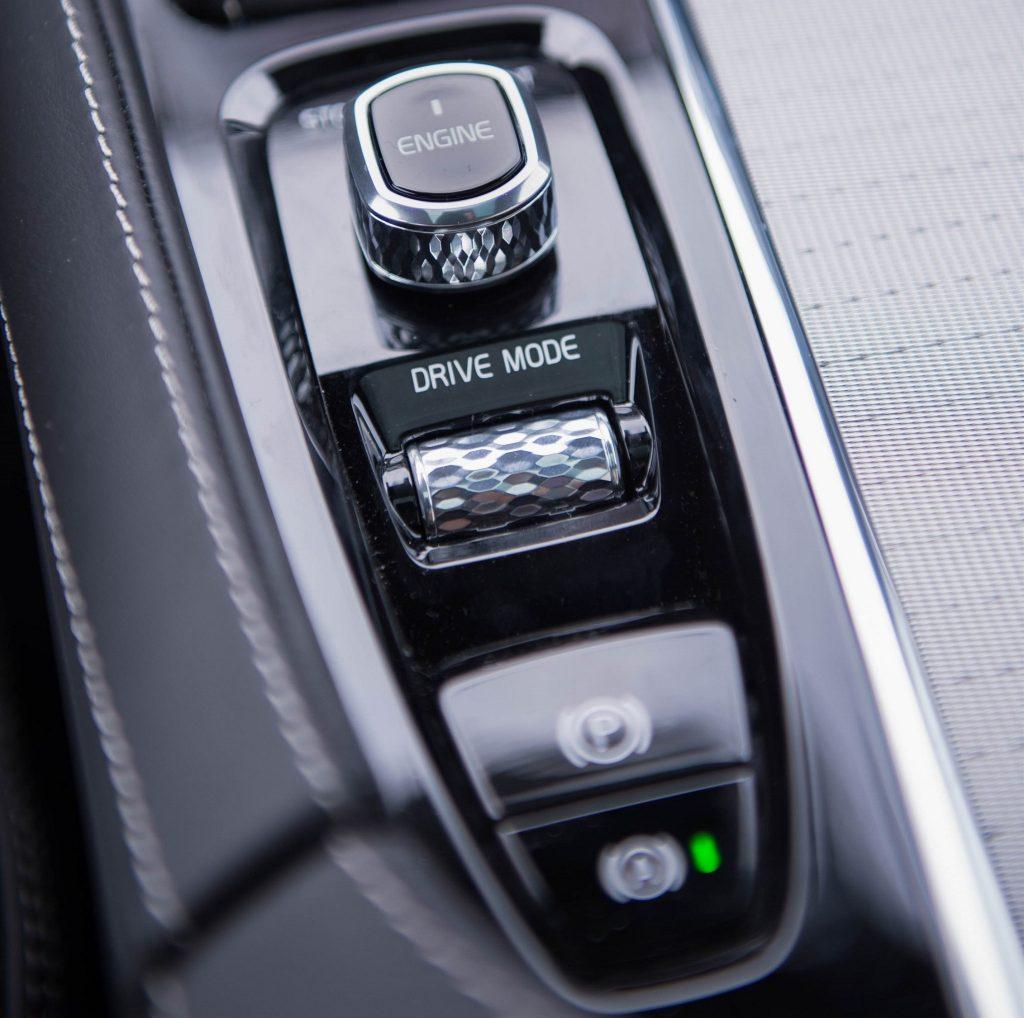Volvo XC90 T8, переключатель запуска двигателя