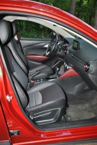 Mazda CX-3, передние сиденья