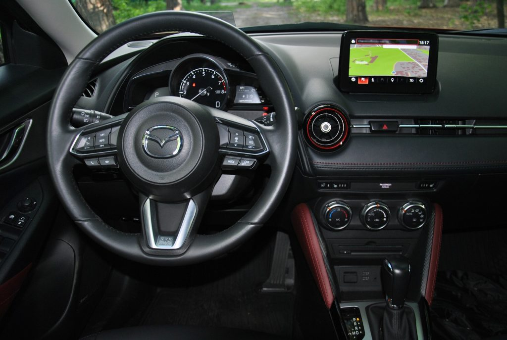 Mazda CX-3, передняя панель
