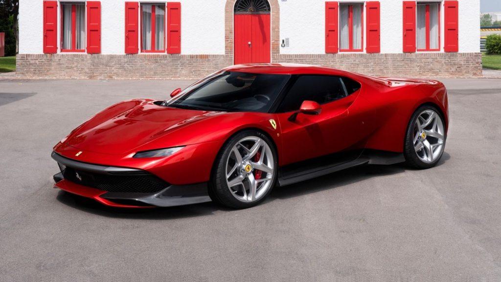 Новый Ferrari SP38, вид на переднюю диагональ
