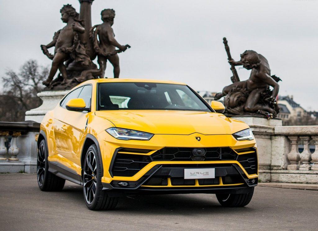 Lamborghini Urus 2018, вид спереди