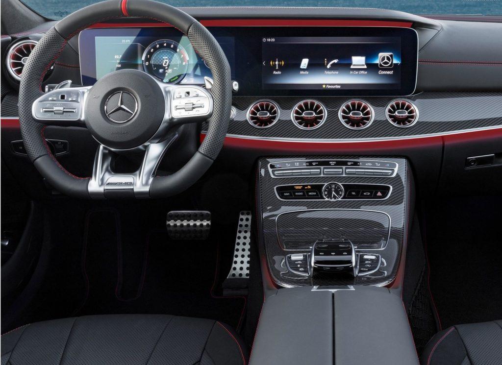 Новый Mercedes-Benz CLS, передняя панель