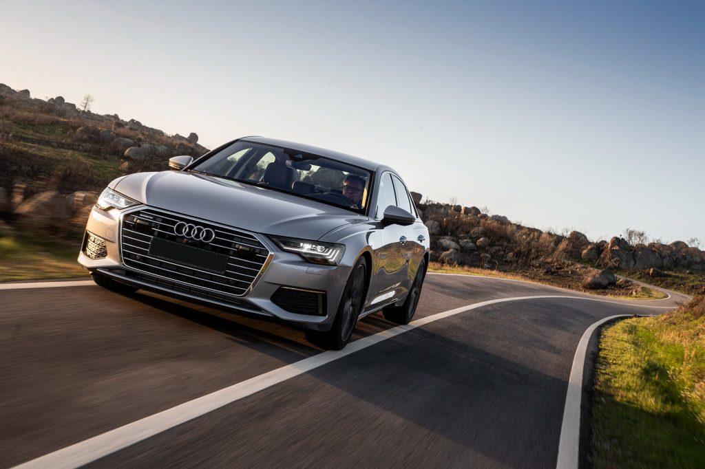 Audi A6 2018, вид спереди