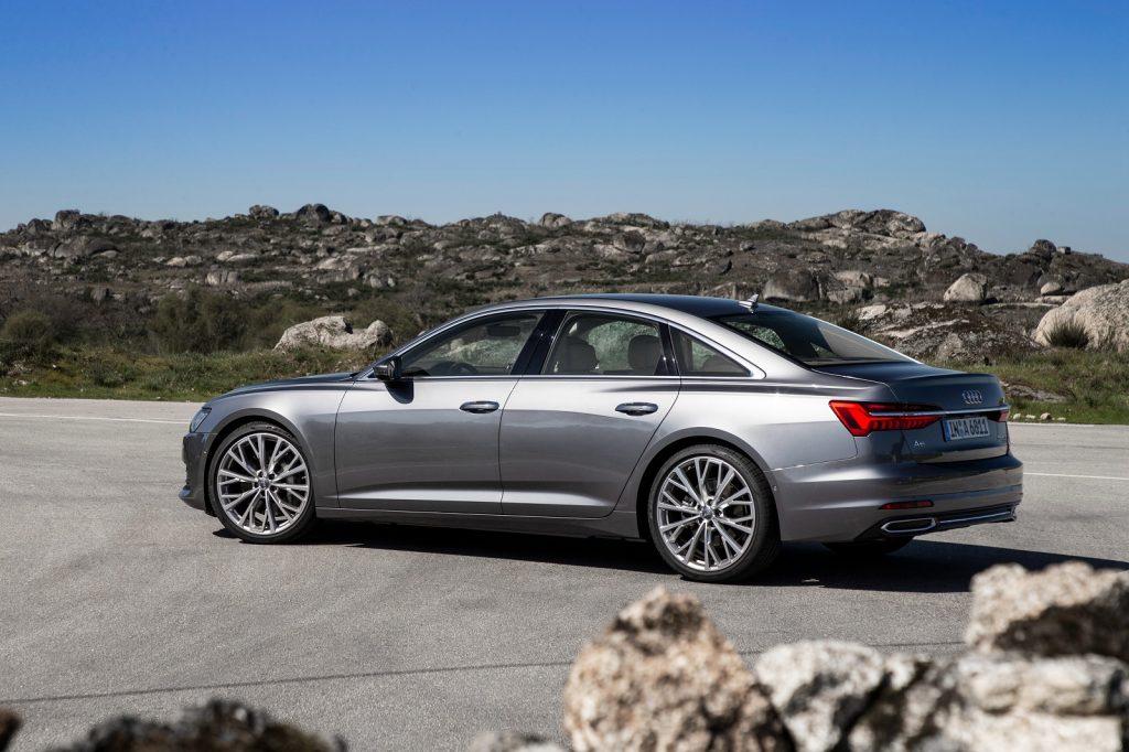 Audi A6 2018, вид сбоку