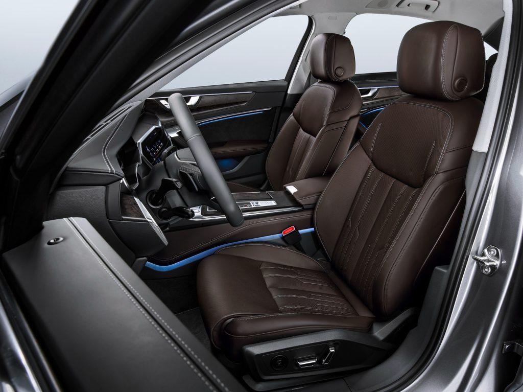Audi A6, передние сиденья